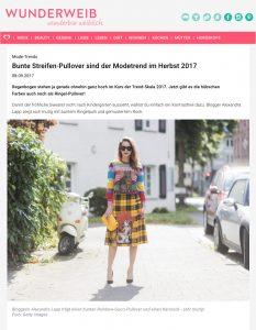Mode 2017 - Wir sind ganz verliebt in Pullover mit Regenbogen Ringeln - Wunderweib - 2017 09 - Alexandra Lapp - found on https://www.wunderweib.de/bunte-streifen-pullover-sind-der-modetrend-im-herbst-2017-101209.html