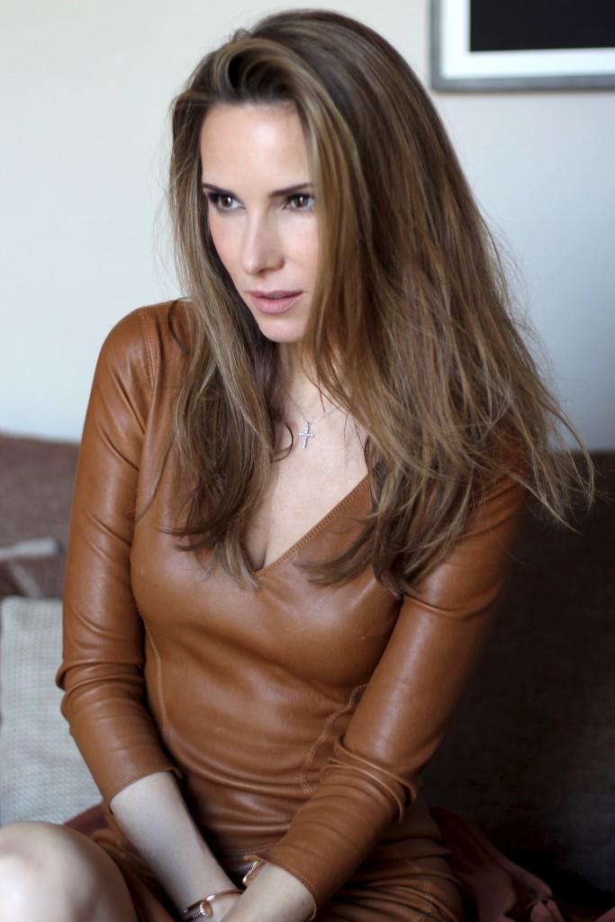 Alexandra wearing Steffen Schraut, Aphero