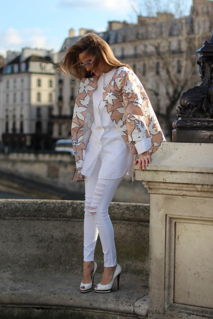 Light White Blog Alexandra Lapp