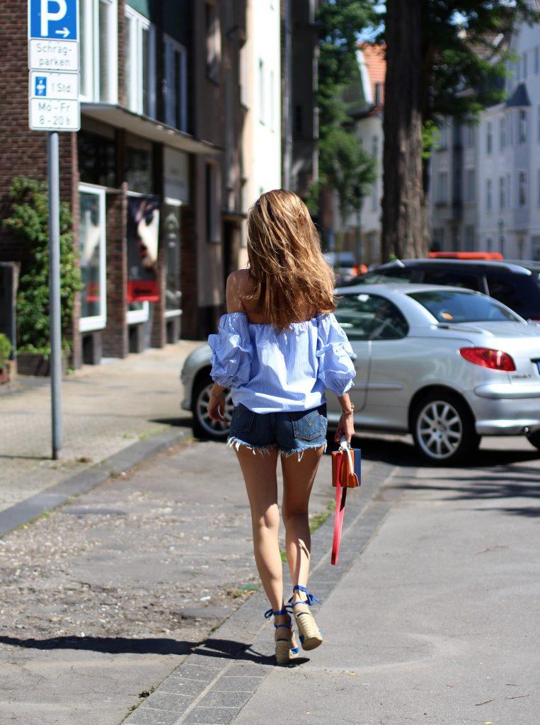 Alexandra Lapp wearing wedge pumps from Castañer, Levi's, Pixie Market, Mark Cross, Armani