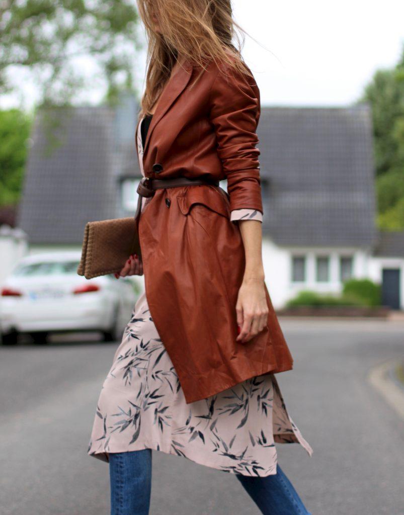 Alexandra Lapp wearing layered look, Topshop, Chanel, Prada, Levi's, James Perse, Ray Ban, Christian Louboutin