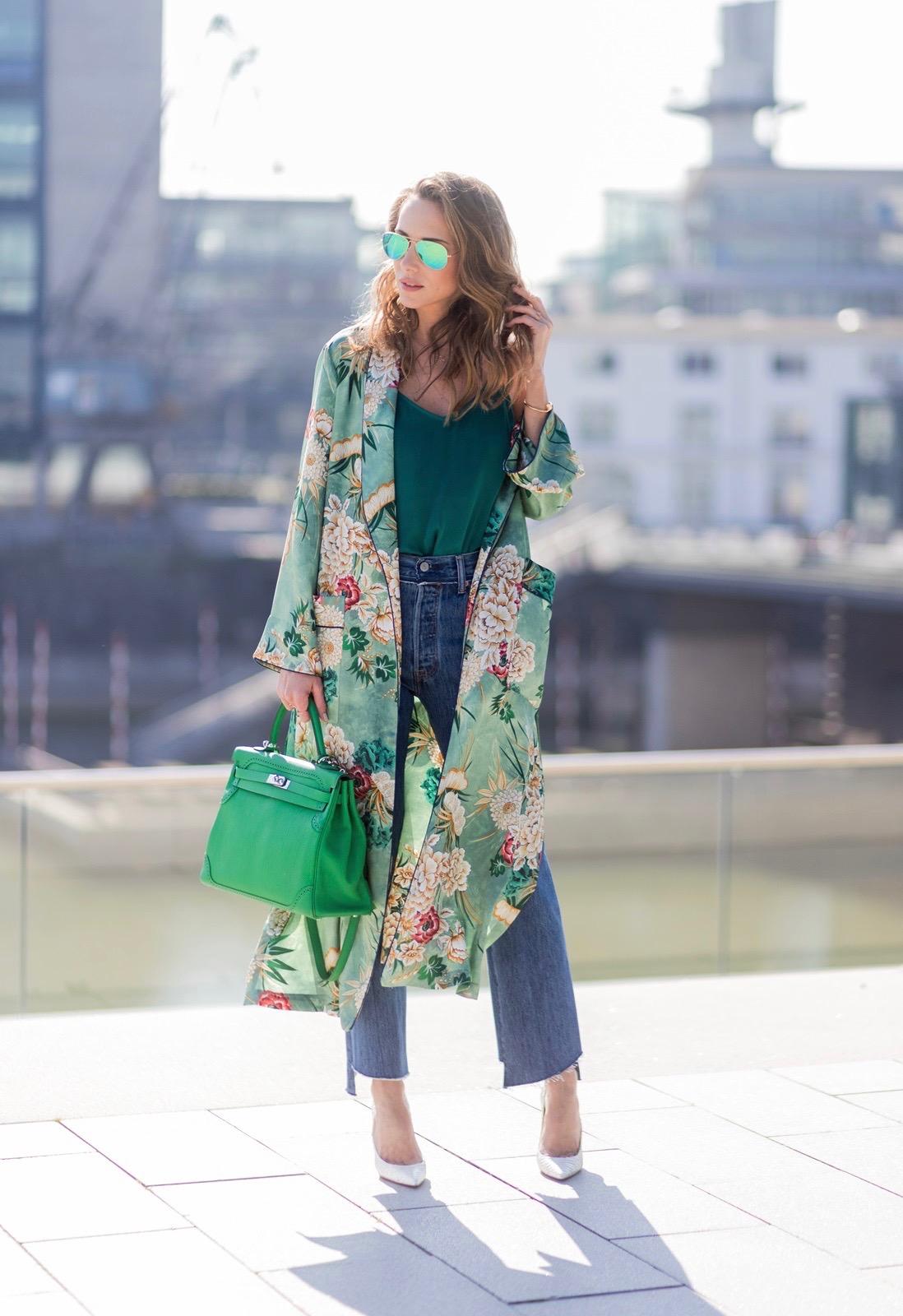 3187bd8e7d983d ... Model and fashion blogger Alexandra Lapp has a Kimono Love