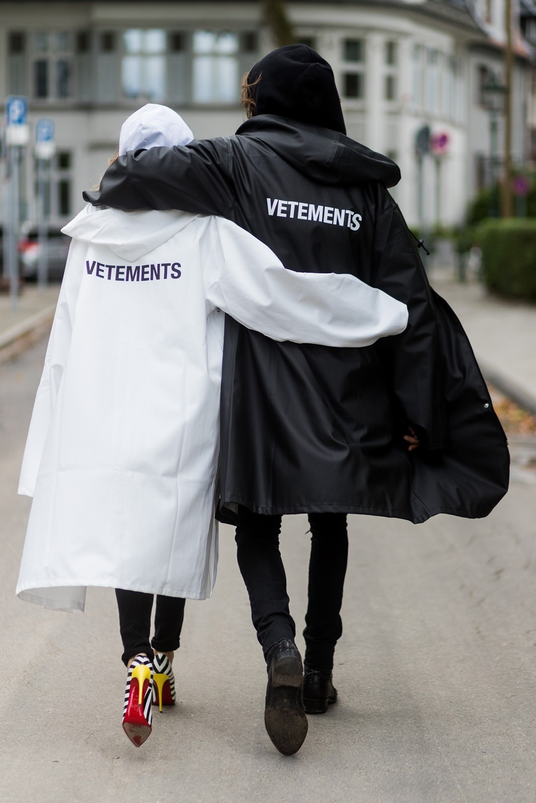 cd1621d0cfdb VETEMENTS RAINCOAT - Blog - Alexandra Lapp