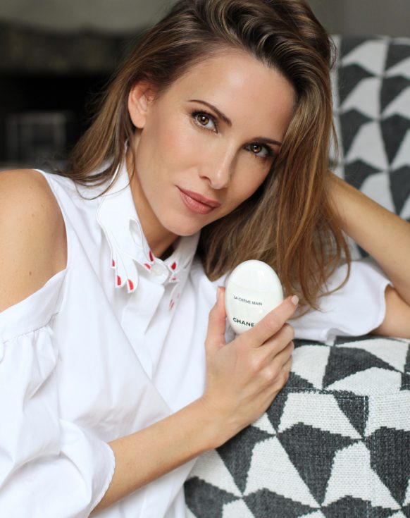 Alexandra Lapp using La Crème Main from Chanel, a conditioning cream for beautiful hands and nails. Moisturizes, brightens and protects - for a velvet-soft skin.
