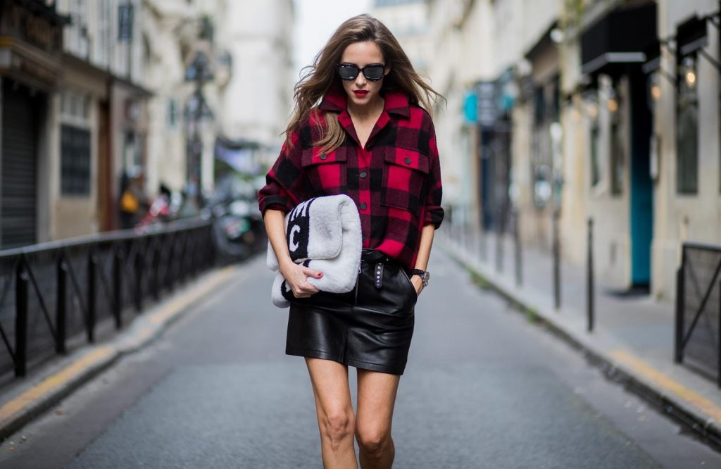 Alexandra Lapp wearing a plaid shirt by Set Fashion, mini leather skirt and a leather belt with studs by Set, oversized MCM Stark Pouch in lambskin, IWC Portugieser Chronograph, open toe ankle boots in silver from Guiseppe Zanotti and Diormania sunglasses by Dior is seen during Paris Fashion Week Spring/Summer 2018 on September 26, 2017 in Paris, France. BILD EINBETTEN LIZENZ 1 of 10 Singer Patricia Manfield wears a Dior hat, dress, shoes and bag day 1 of Paris Womens Fashion Week Spring/Summer 2018, on September 26, 2017 in Paris, France. Singer Patricia Manfield wears a Dior hat, dress, shoes and bag day 1 of Paris Womens Fashion Week Spring/Summer 2018, on September 26, 2017 in Paris, France. BILD EINBETTEN LIZENZ 2 of 10 Fashion blogger Sonya Esman wears Dior sweater, skirt and bag day 1 of Paris Womens Fashion Week Spring/Summer 2018, on September 26, 2017 in Paris, France. Fashion blogger Sonya Esman wears Dior sweater, skirt and bag day 1 of Paris Womens Fashion Week Spring/Summer 2018, on September 26, 2017 in Paris, France. BILD EINBETTEN LIZENZ 3 of 10 Fashion blogger Gala Gonzalez wears a Dior suit, top, bag and shoes day 1 of Paris Womens Fashion Week Spring/Summer 2018, on September 26, 2017 in Paris, France. Fashion blogger Gala Gonzalez wears a Dior suit, top, bag and shoes day 1 of Paris Womens Fashion Week Spring/Summer 2018, on September 26, 2017 in Paris, France. BILD EINBETTEN LIZENZ 4 of 10 Chinese fashion blogger Carrie Lee wears Dior skirt and top Louis Vuitton bag, Balenciaga shoes and earrings she made herself day 1 of Paris Womens Fashion Week Spring/Summer 2018, on September 26, 2017 in Paris, France. Chinese fashion blogger Carrie Lee wears Dior skirt and top Louis Vuitton bag, Balenciaga shoes and earrings she made herself day 1 of Paris Womens Fashion Week Spring/Summer 2018, on September 26, 2017 in Paris, France. BILD EINBETTEN LIZENZ 5 of 10 Fashion blogger Diona Ciobanu wears a Dior dress, hat, bag, shoes and underwear day 1 of Paris Womens Fashion Week Spring/Summer 2018, on September 26, 2017 in Paris, France. Fashion blogger Diona Ciobanu wears a Dior dress, hat, bag, shoes and underwear day 1 of Paris Womens Fashion Week Spring/Summer 2018, on September 26, 2017 in Paris, France. BILD EINBETTEN LIZENZ 6 of 10 Chiara Ferragni and Valentina Ferragni are seen attending Christian Dior during Paris Fashion Week wearing Dior on September 26, 2017 in Paris, France. Chiara Ferragni and Valentina Ferragni are seen attending Christian Dior during Paris Fashion Week wearing Dior on September 26, 2017 in Paris, France. BILD EINBETTEN LIZENZ 7 of 10 Chiara Ferragni and Valentina Ferragni are seen attending Christian Dior during Paris Fashion Week wearing Dior on September 26, 2017 in Paris, France. Chiara Ferragni and Valentina Ferragni are seen attending Christian Dior during Paris Fashion Week wearing Dior on September 26, 2017 in Paris, France. BILD EINBETTEN LIZENZ 8 of 10 Sonya Esman poses wearing Dior after the Dior show at the Musee Rodin during Paris Fashion Week Womenswear SS18 on September 26, 2017 in Paris, France. Sonya Esman poses wearing Dior after the Dior show at the Musee Rodin during Paris Fashion Week Womenswear SS18 on September 26, 2017 in Paris, France.