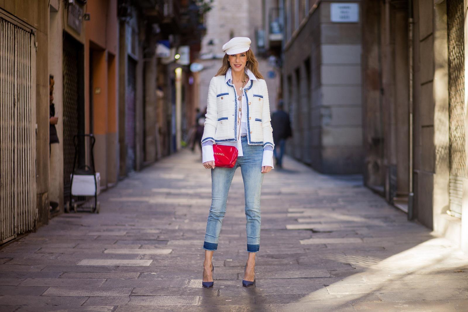 706b78e00754 ... SPAIN - NOVEMBER 28: Alexandra Lapp wearing a classic navy and white  tweed · «