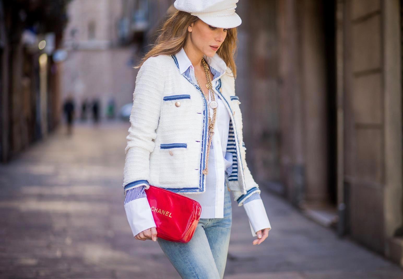 e39073385632 BARCELONA, SPAIN - NOVEMBER 28: Alexandra Lapp wearing a classic navy and white  tweed ...