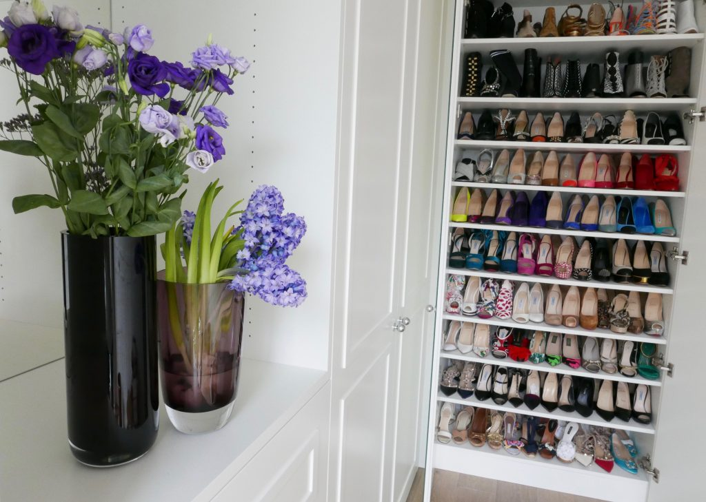Model and Blogger Alexandra Lapp building her dream closet with More Interior.
