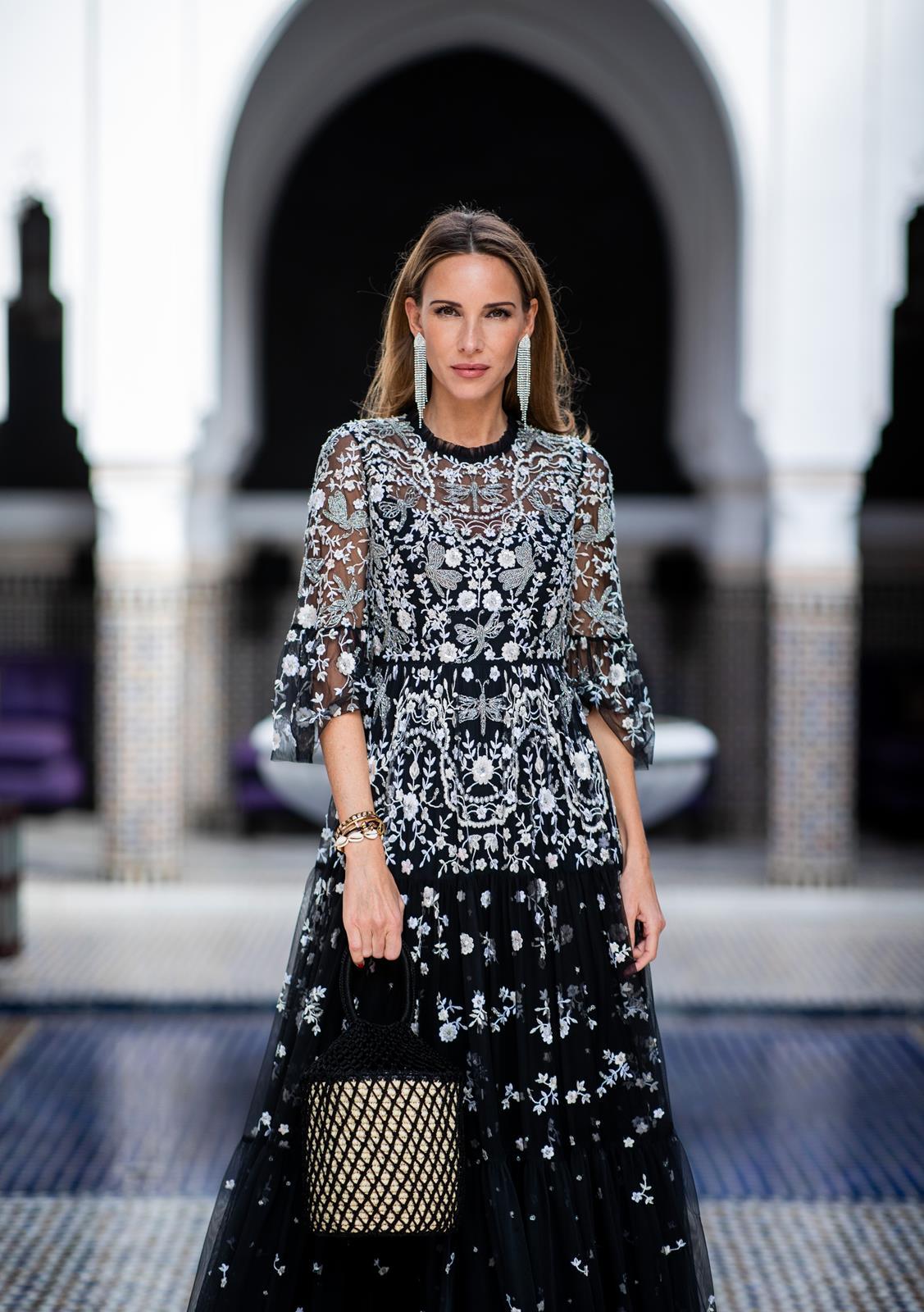 096b7799f39dd ... Alexandra Lapp in a Christmas dress Look, wearing a silver NBD dress,  ...