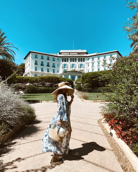 Alexandra Lapp enjoys her summer vacation at the Grand-Hotel du Cap-Ferrat at the Côtes d'Azur.