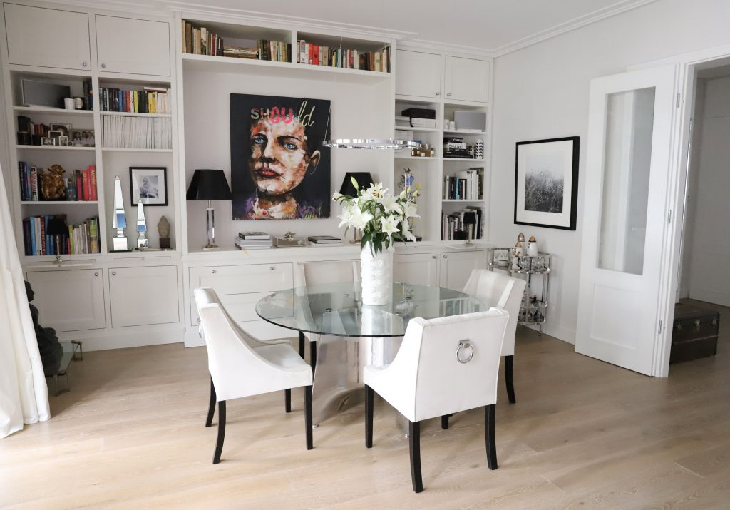 Alexandra Lapp redesigns her living room together with MAXIMILIAN ARNDT INTERIOR LIVING