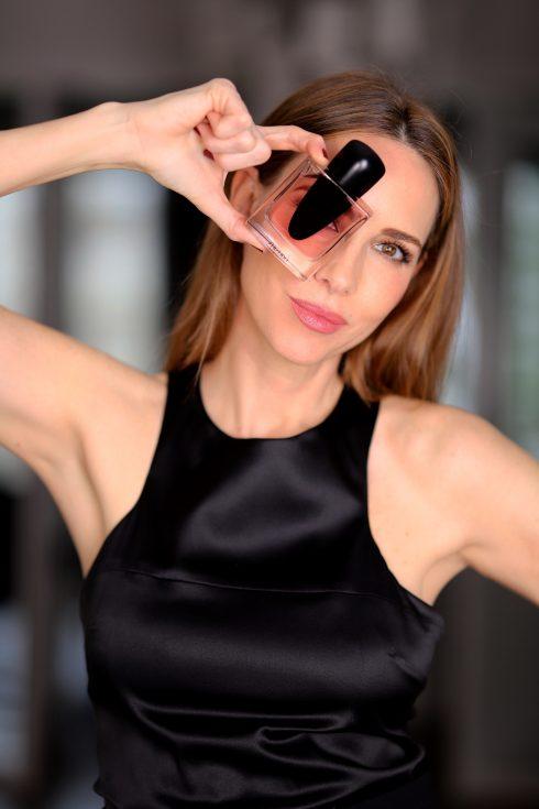 Alexandra Lapp, Shiseido Ginza Eau de Parfum, Bouquet of Flowers, Strong, Powerful, Feminine, The Ginza Spirit.