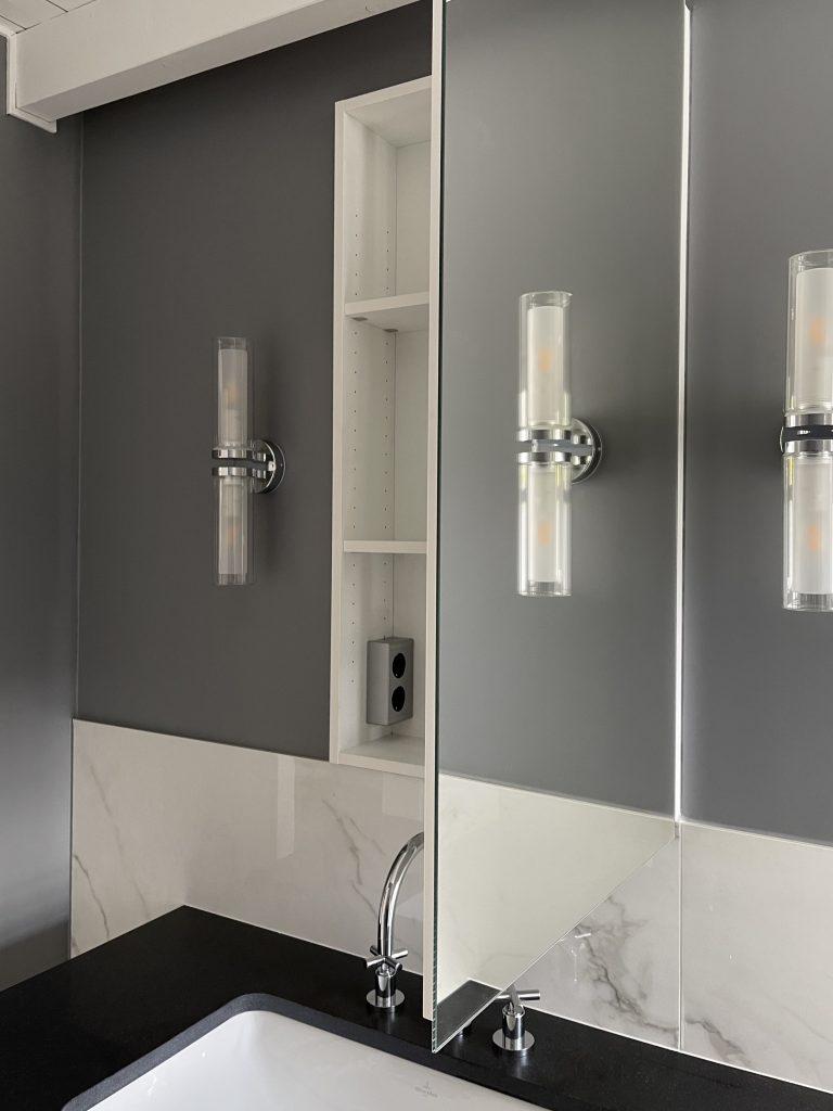 Alexandra Lapp is refurbishing the bathroom of her new apartment with products by Villeroy & Boch Fliesen, Villeroy & Boch, Caparol Icons, Dornbracht, Thelen Drifte, Naturstein Meyer, and Furnierholz Handelsgesellschaft.